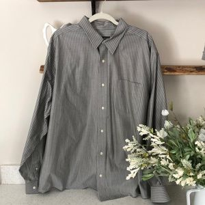 Eddie Bauer Classic Fit Button Down Shirt